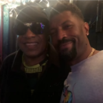 Stevie Wonder on the left and Deon Cole on the right made up after the beef