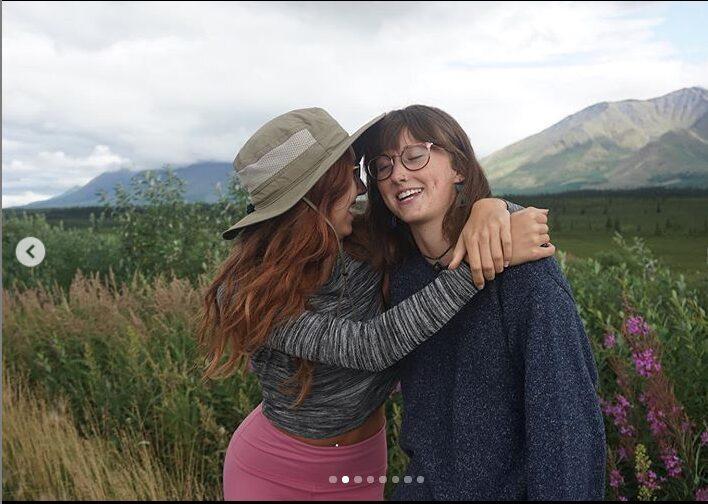 Sarah and Jessica Grossman