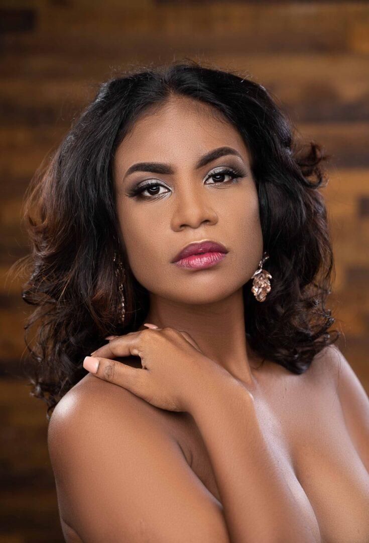 Lineisha Davis